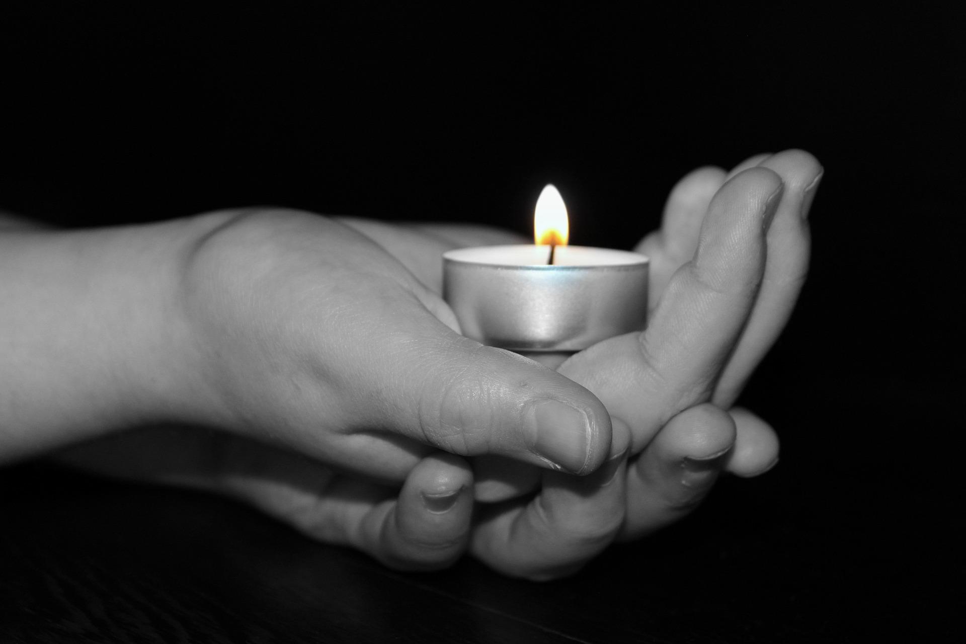 candle-1239891_1920
